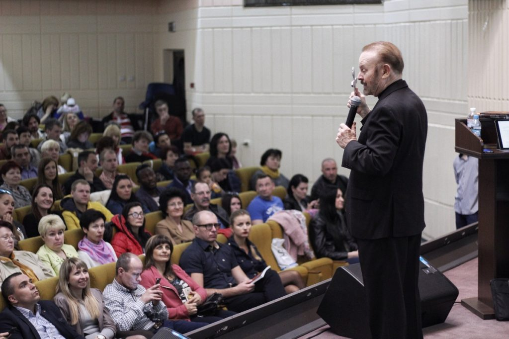 Впервые в Киеве Боб Ларсон провел семинары о свободе