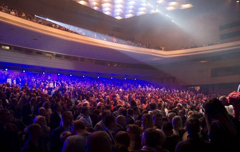 Во Дворце «Украина» прошла масштабная «Конференция помазания» церквей «Новое поколение»