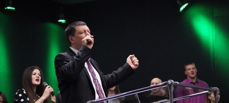 Епископ Андрей Тищенко поздравил церковь Новомосковска