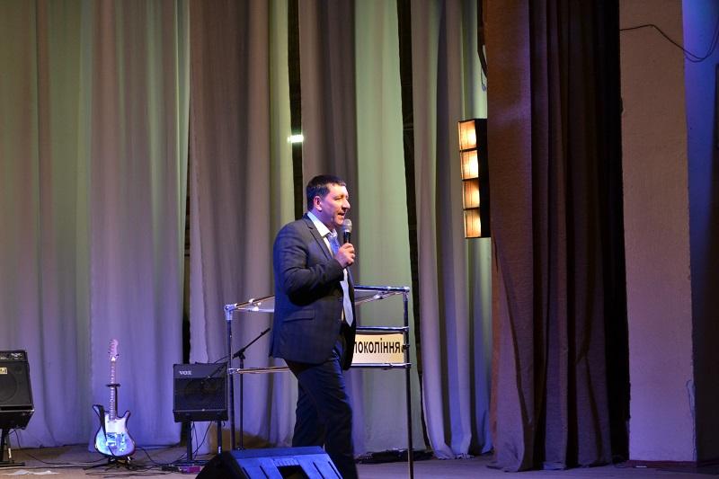 Андрей Тищенко проповедовал и молился за исцеление в Херсоне