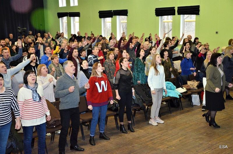 В Першотравенске прошла конференция «Молитвенная гора»